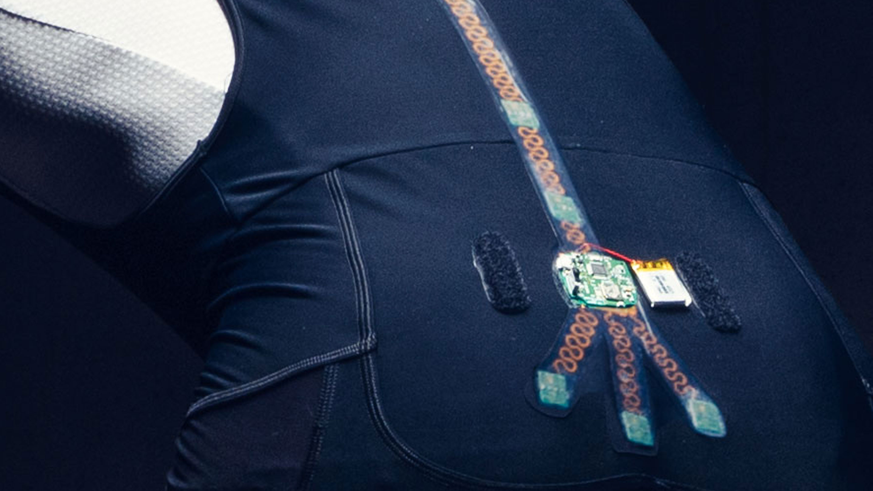 sensors smart cycling outfit