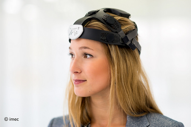EEG headset imec holst centre