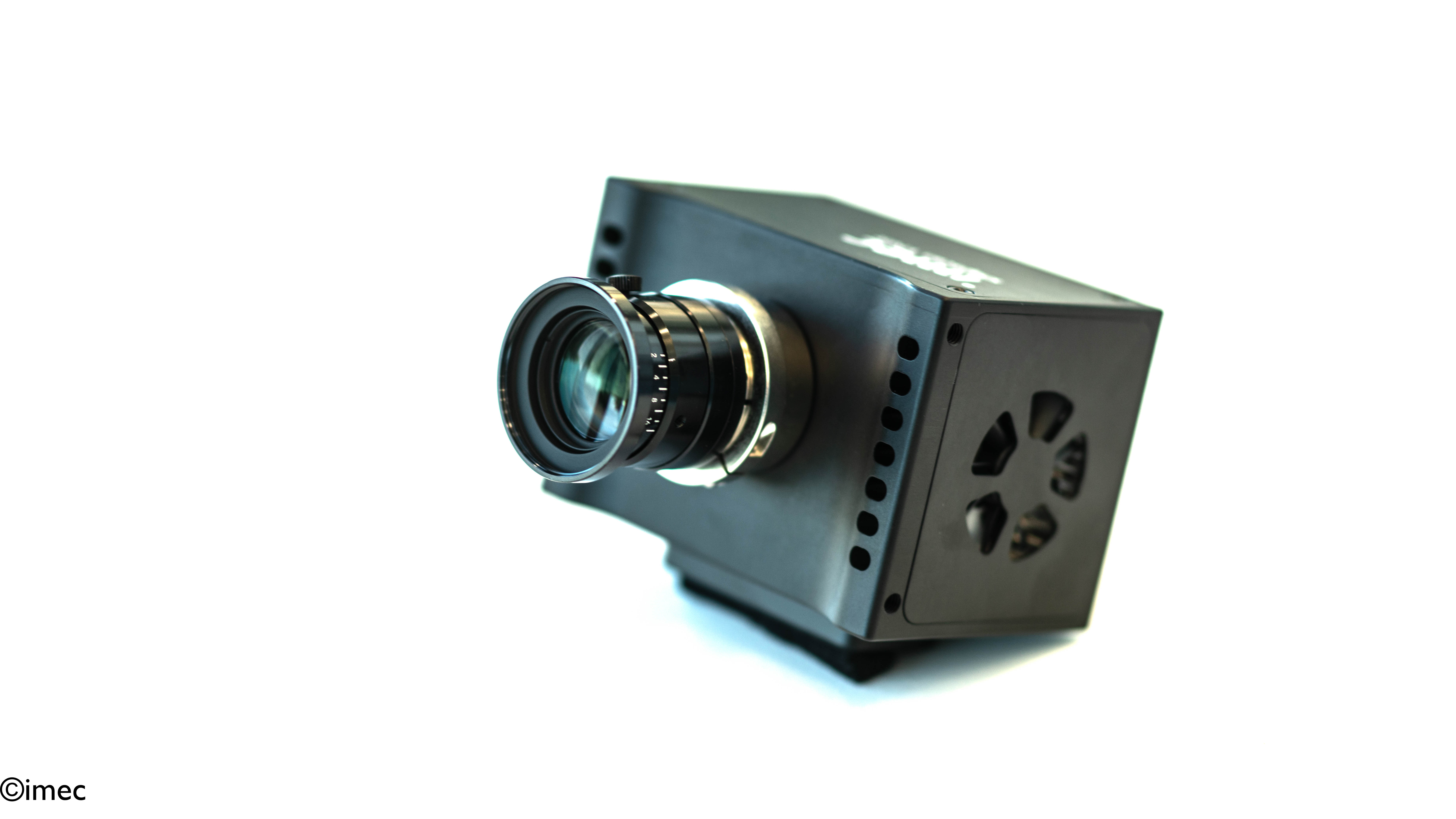 A snapscan camera for visible and near infrared imaging.